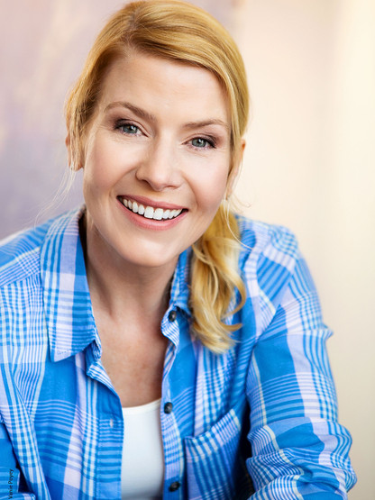 Corinne Meadors: busy mom, housewife, caretaker...