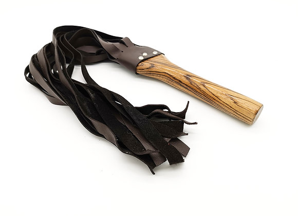 Flogger aus Holz und Leder