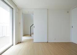 13133030_三田の住宅_住戸A_地下1階_寝室.jpg