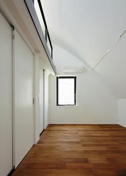 13133028_中町の住宅_3階_洋室.jpg