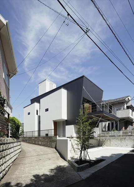 0901620003_藤沢の住宅_南西面外観.jpg