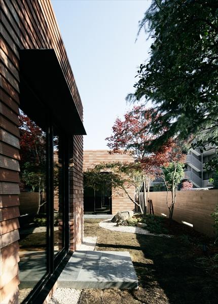 10205008_若松町の住宅_中庭.jpg