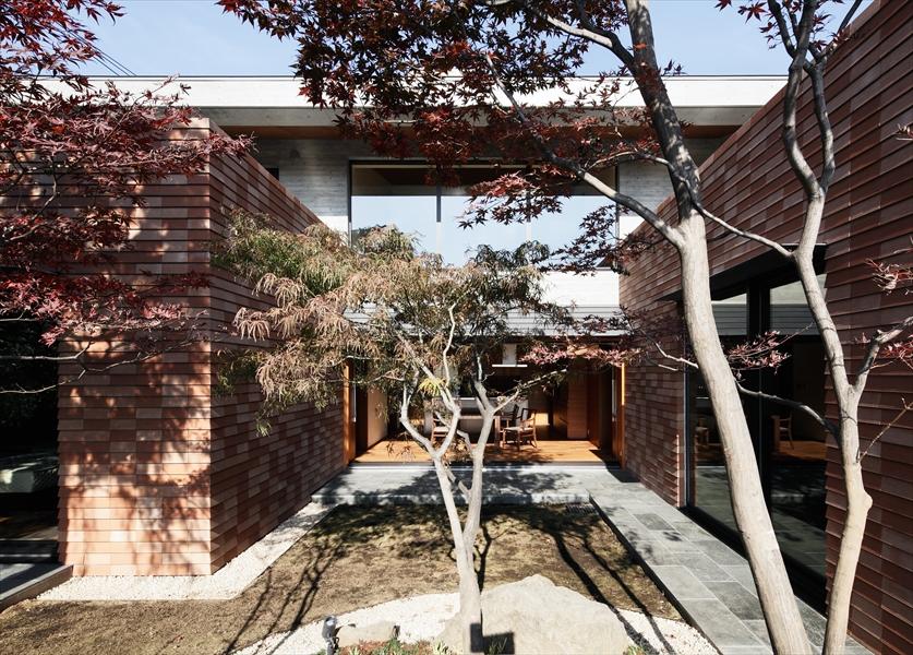 10205037_若松町の住宅_中庭.jpg