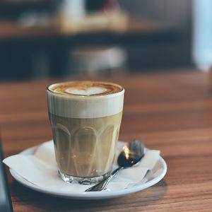 blur-caffeine-cappuccino-close-up-302905