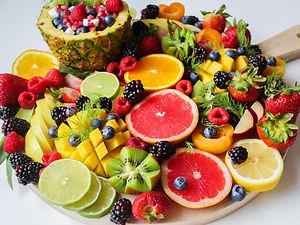 sliced-fruits-on-tray-1132047.jpg