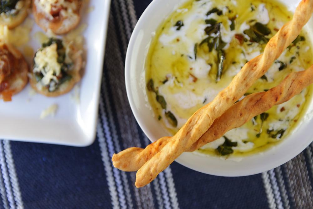 Molho criado pela Chef Aysla Oliveira (@ayslladefumaria.bh) utilizando o Pesto de Manjericão (Ayslla Defumaria), geleia de Habanero (Deli Chat) e cream cheese
