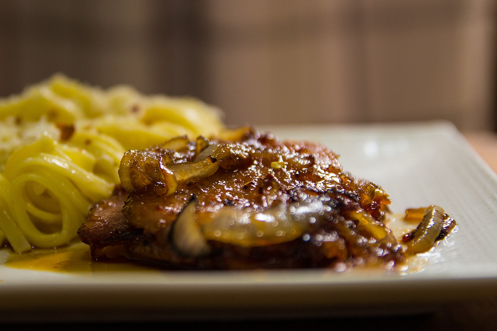 Lombo suíno finalizado com Geleia de Pimenta Dedo-de-Moça com Abacaxi