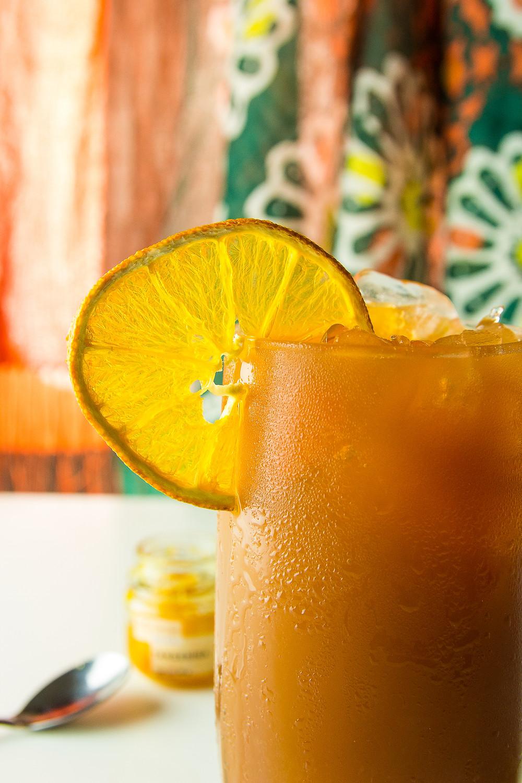 A combinação de chá preto e tangerina é conhecida como Earl Grey. Uma invenção inglesa do século XIX.