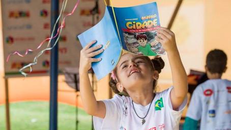 Pesquisa aponta que brasileiros que leem são mais felizes