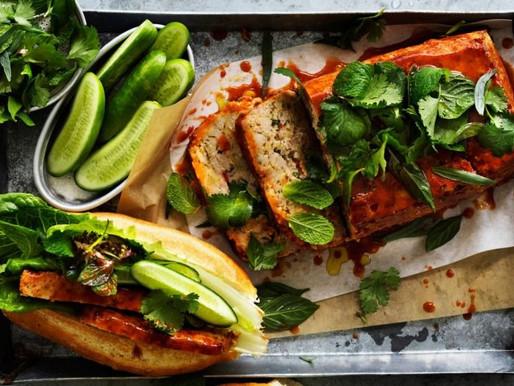 Pain de viande vietnamien au poulet et citronnelle avec glaçage épicé