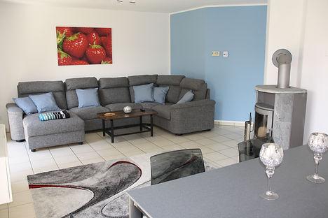 Ferienhaus Erdbeere Wohnzimmer Bild3.JPG