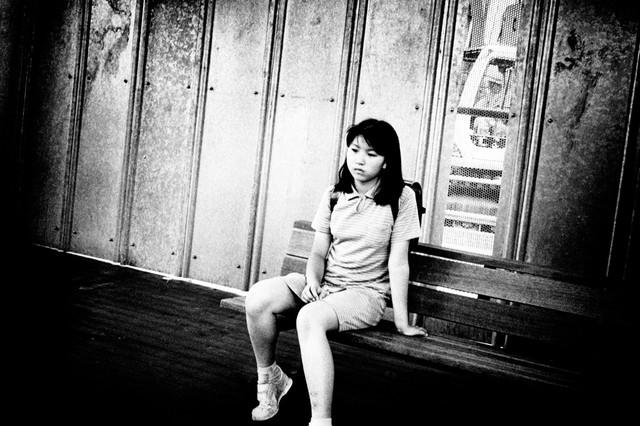 成城学園駅、小学生.jpg