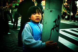 渋谷泣く子供02_01_19 のコピー.jpg