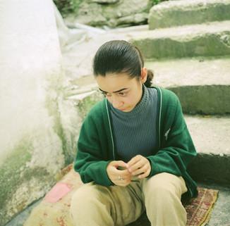 サフランボル階段女性3_9_21 のコピー.jpg