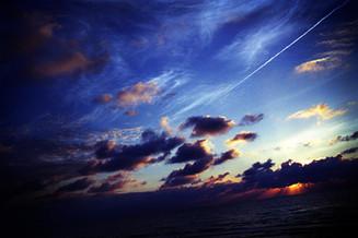 飛行機雲01_09_09 のコピー.jpg