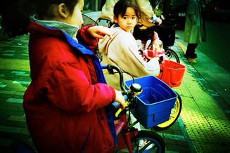 自転車と子供01_06_12 のコピー.jpg