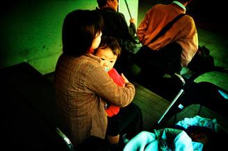赤ん坊と母01_09_17 のコピー.jpg