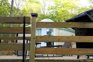 Yourte Mésange - Balcon extérieur .jpg