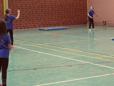 Mit Brennball startet der Winterwettbewerb