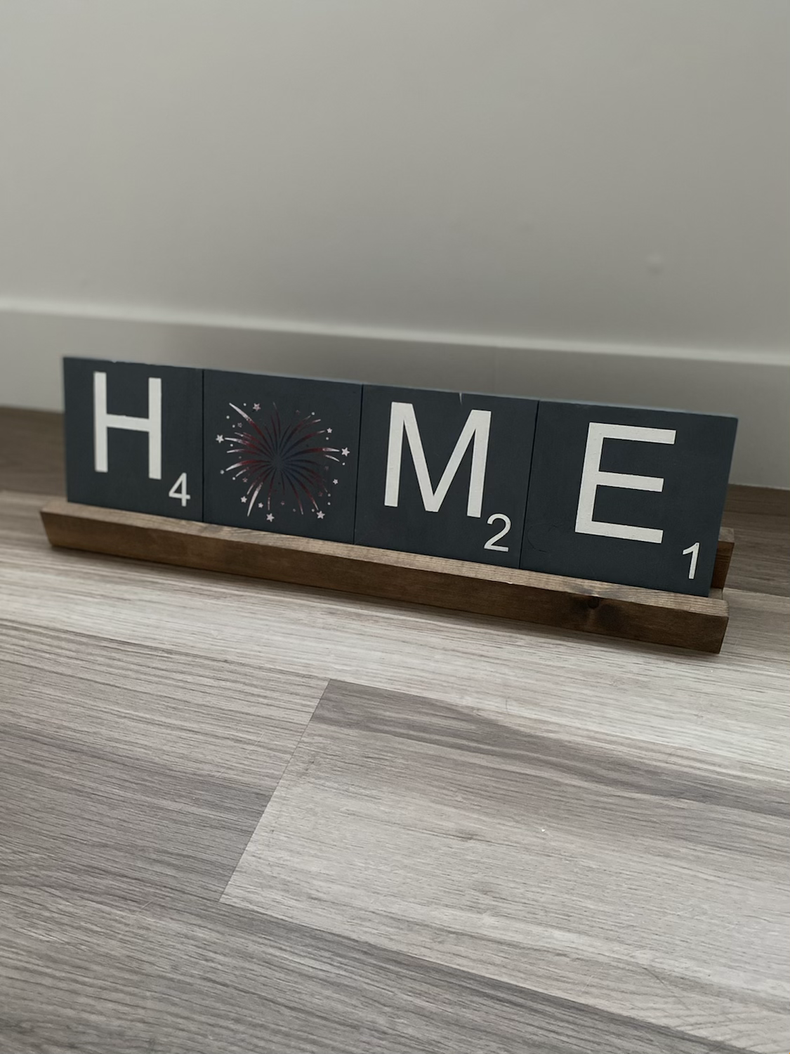Home tiles and stand