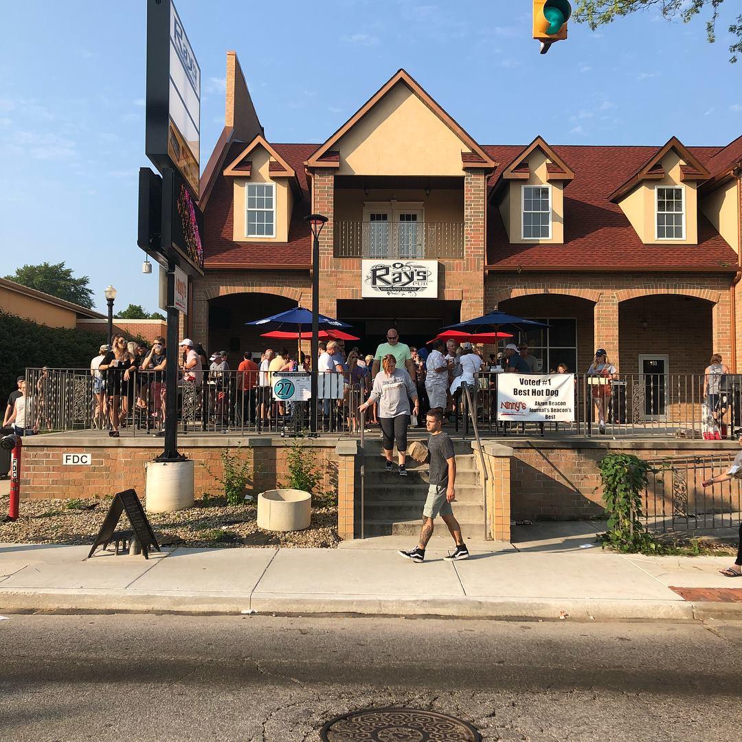 Rays-Pub-Highland-Square-Akron-Ohio-Fron