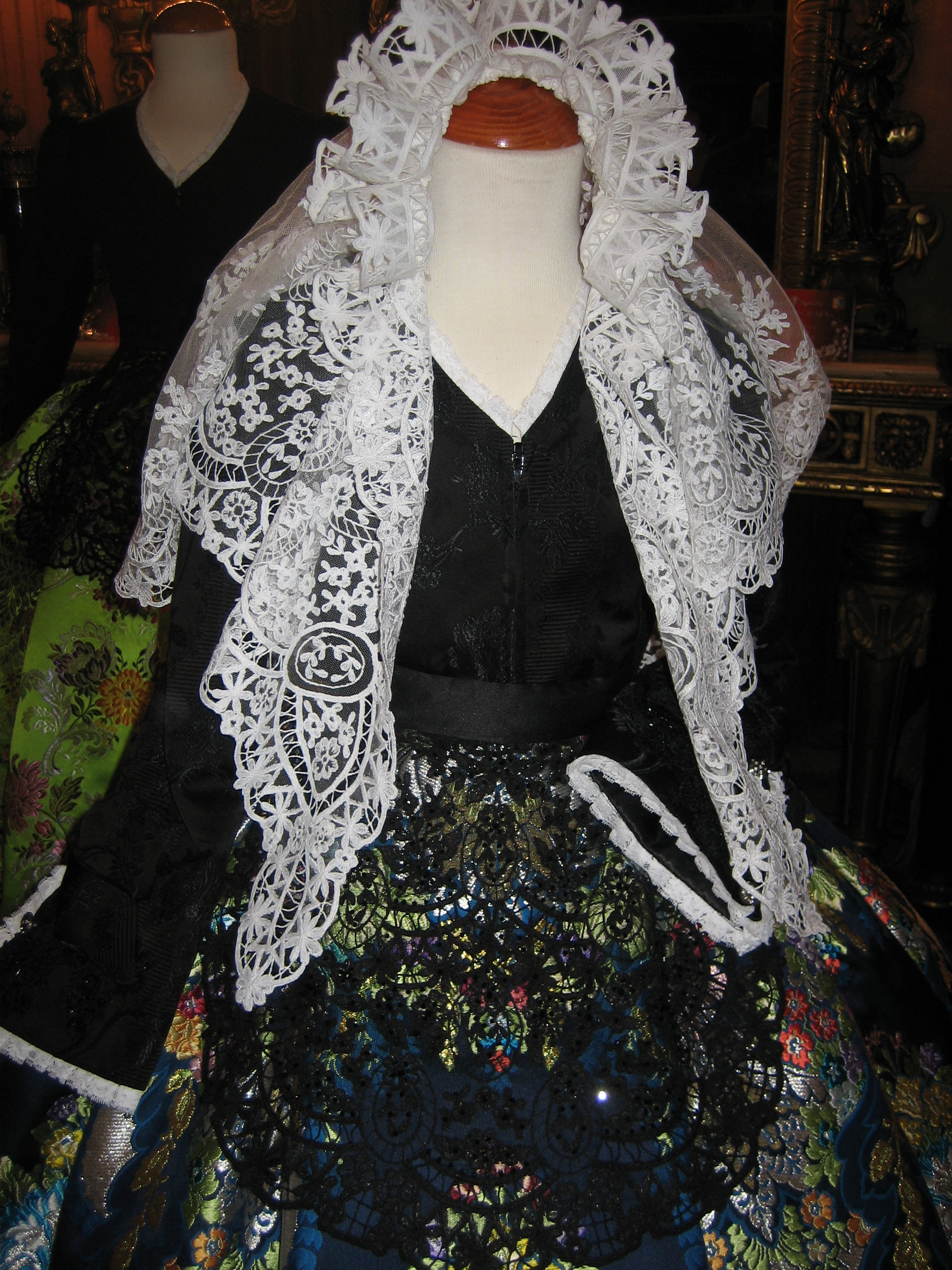 Mantilla y Delantal