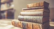 libro-libri-vintage-antichi-pila-di-libr