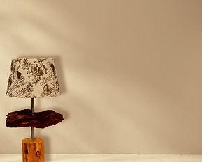 Tischlampe aus Treibholz