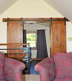 Highview Country Escape, Stockton, Northwest Illinos, Log Cabin, Romantic Getaway, Galena, Girls Weekend, Wineries, Skiing, Winter Getaway