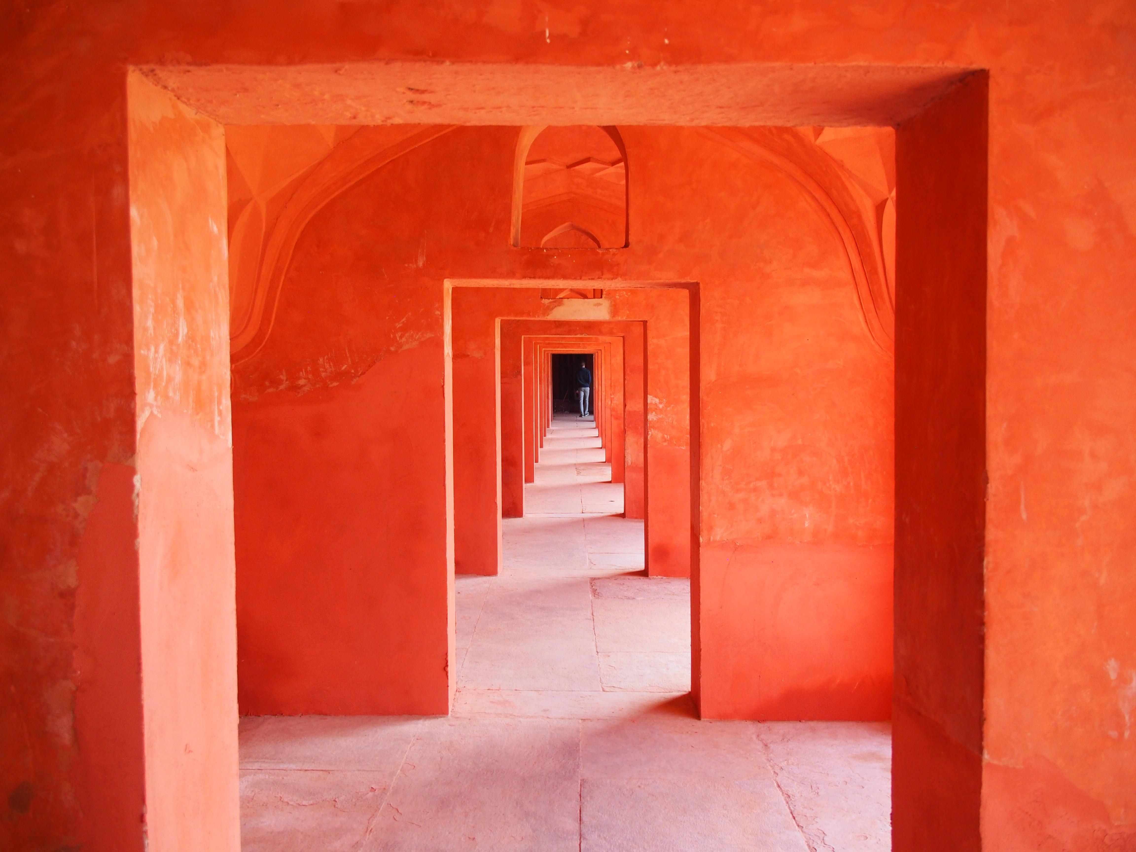 Taj Mahal courtyard hallway