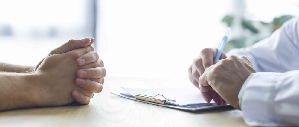 Les signes précoces qui favorisent l'apparition de la maladie de Parkinson
