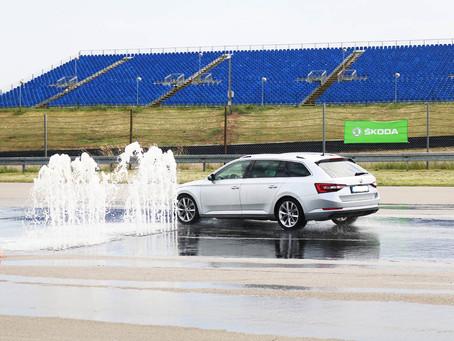 CCH lud ŠKODA-Firmenkunden zum Fahrsicherheitstraining ein