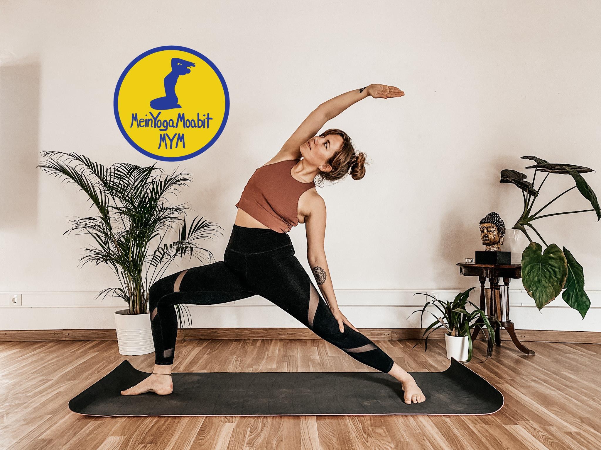Vinyasa Flow Yoga im Studio