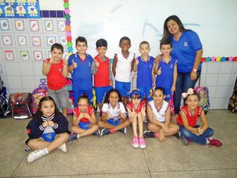 Nossa turminha está de volta, cheios de energias e muito bem acompanhados por nossas professoras.