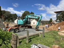 6 Oct - Excavator