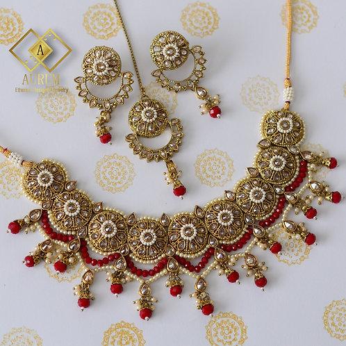 Lova Necklace Set