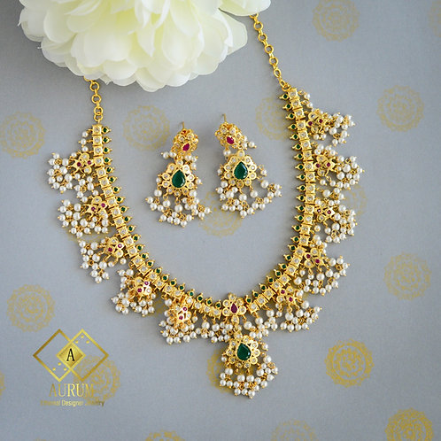 Naivedha Necklace set