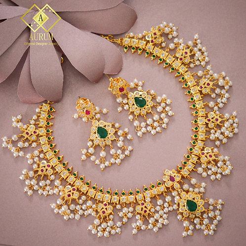 Naivedha Necklace set