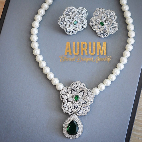 Ariyana Necklace Set