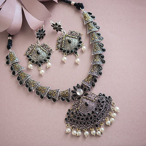 Tameka Necklace set