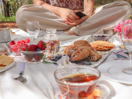 Our Recipe For A Picture-Perfect Summer Picnic + Style Inspo