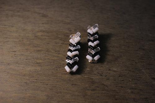 White & Black Beads Alligator Hair clip
