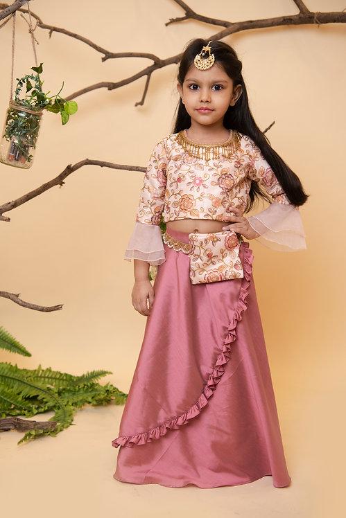 Peach Dori Girl
