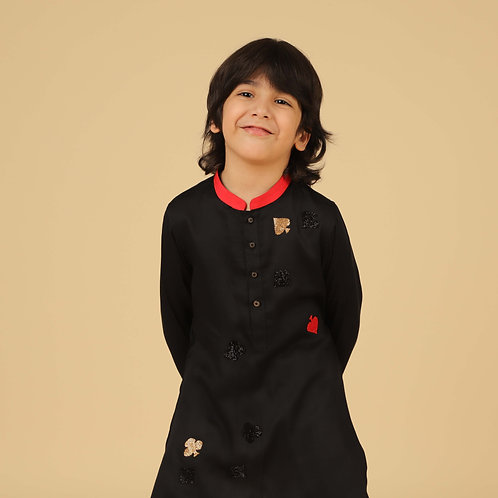 Black Kurta With Pants And Scattered Embroidery