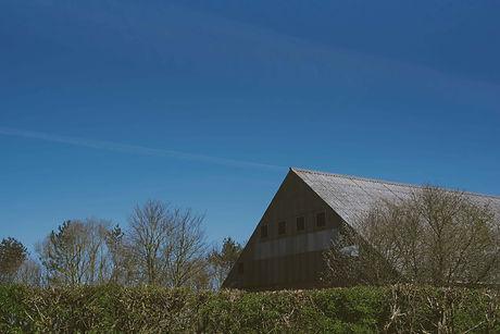 2104 other Paston barn copyright Charlot