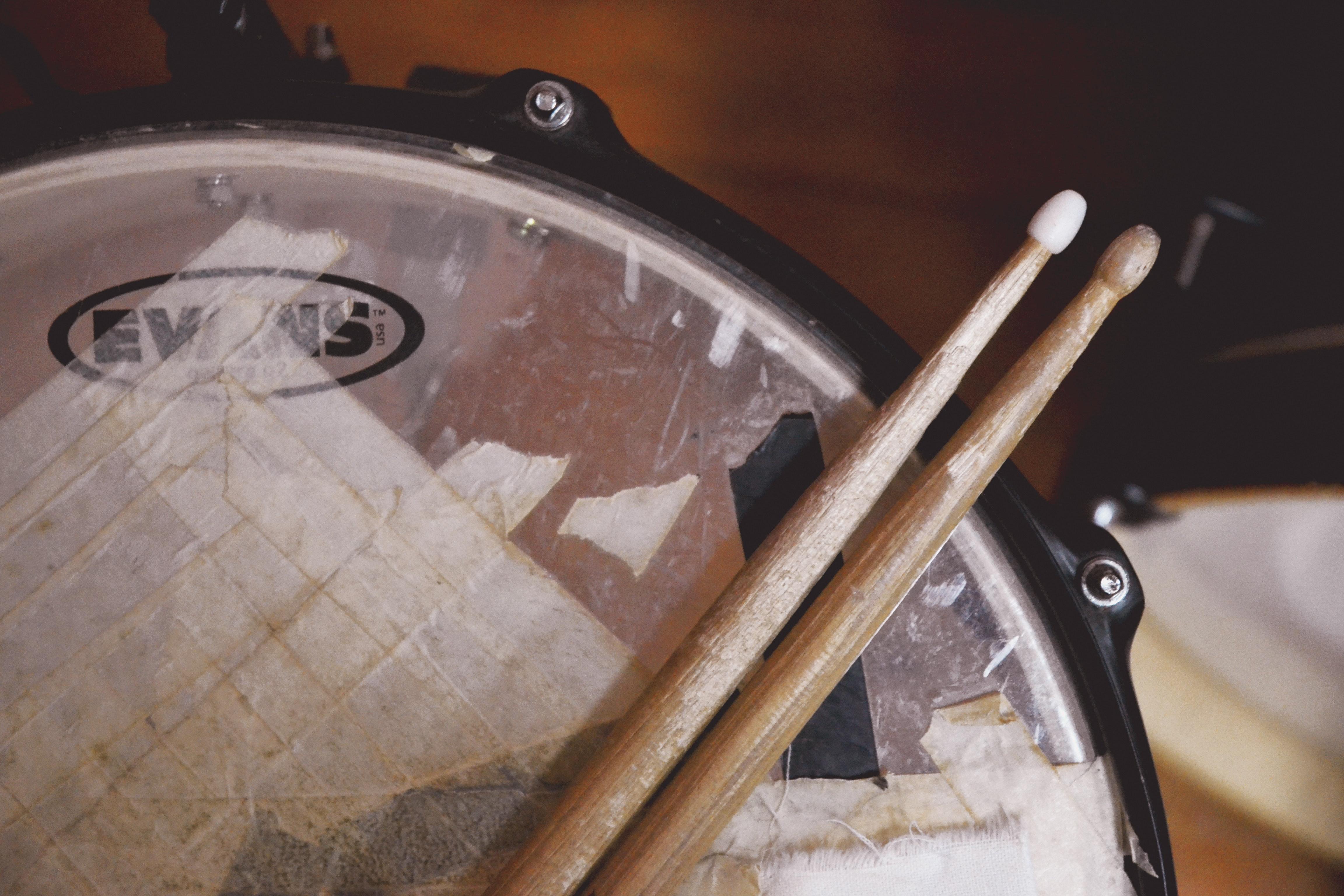 antique-close-up-drum-sticks-730656