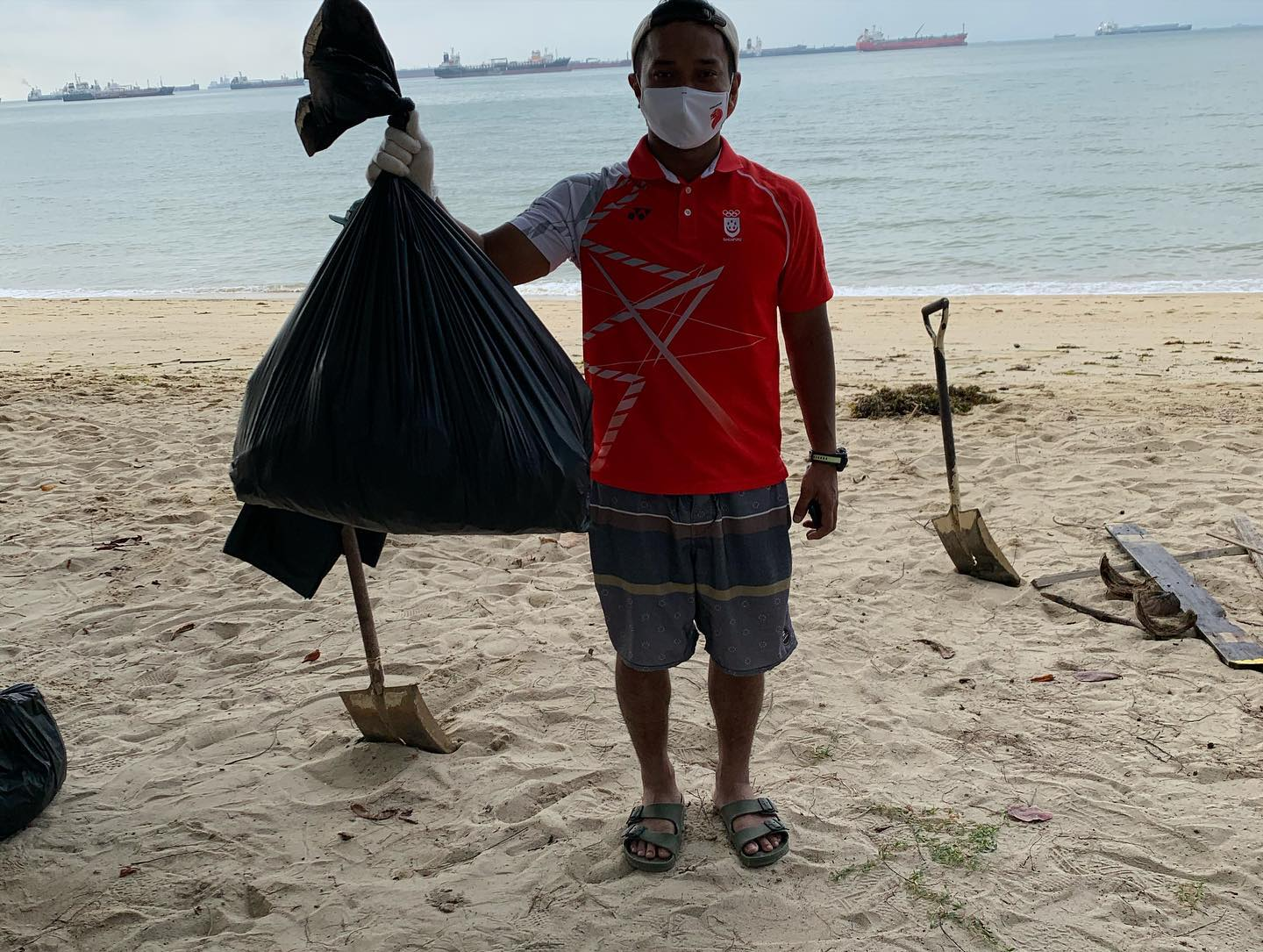 beach clean up 1.jpg