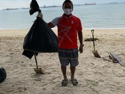 beach clean up 1.jpg