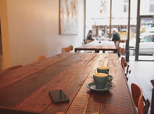 iphone-table-cafe-coffee-shop-coffee-woo