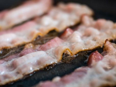 Sim, carne causa câncer — aqui está tudo que você precisa saber